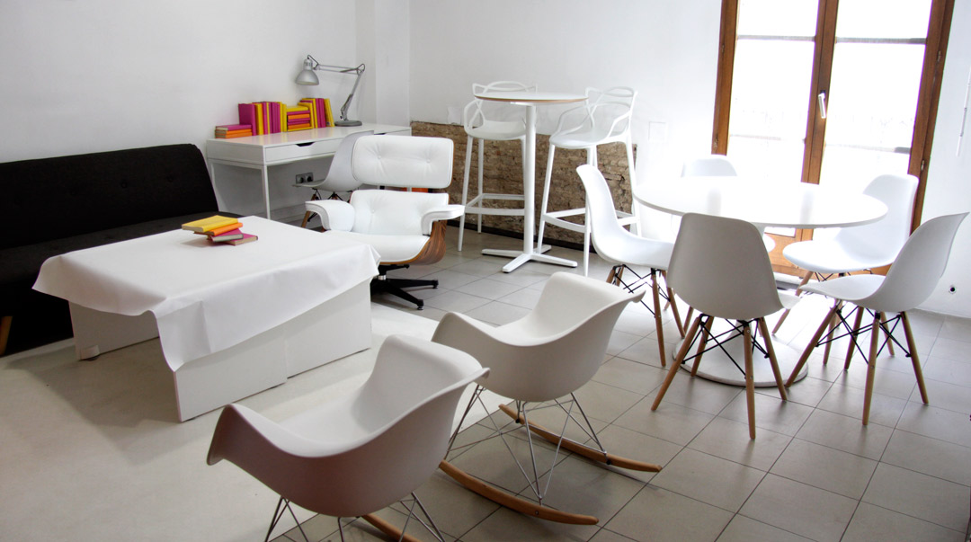 Meeting room la xerea 12 pax wayco for Sala de reuniones